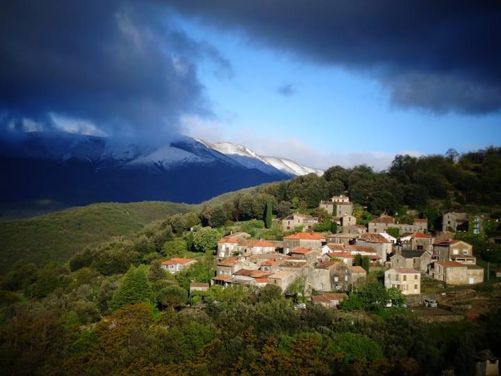 """Gîte """"La Lusette"""", vue superbe sur les montagnes."""