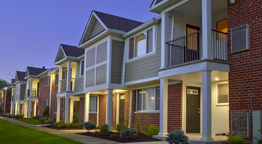 Phila-Convenient & Comfortable - Bensalem - Apartmen