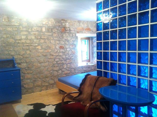 :-)Enjoy in the middle of Dalmatia! - Tribunj - Casa