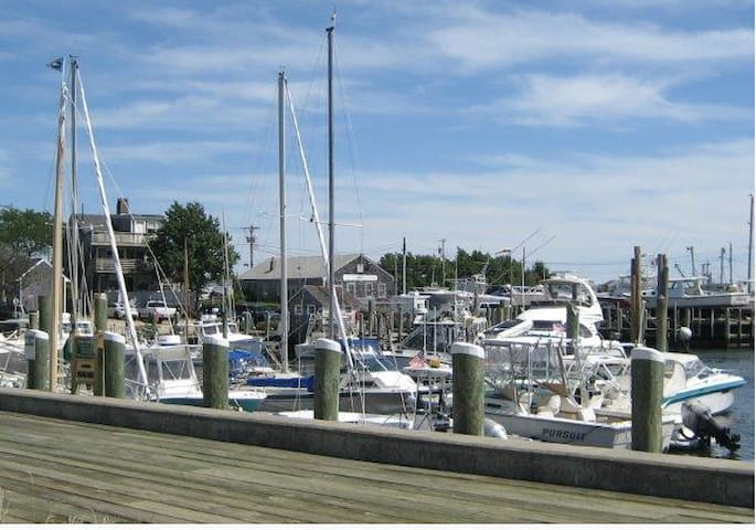Hyannis Harbor is minutes walk from the resort!