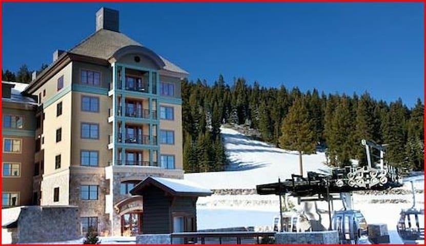 Ritz-Carlton Club, Lake Tahoe 2 BR - ski in/out