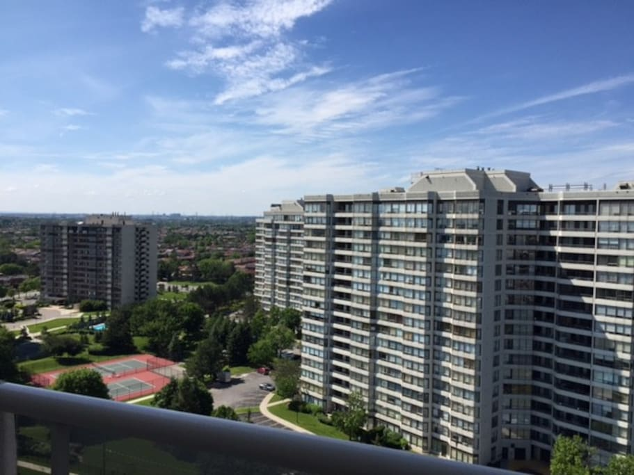 The balcony (sorry, no BBQ) overlooks the northern part of the city and peers into Vaughan.