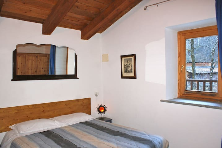 Comodo e confortevole appartamento nel bosco - Beaulard - Chalet