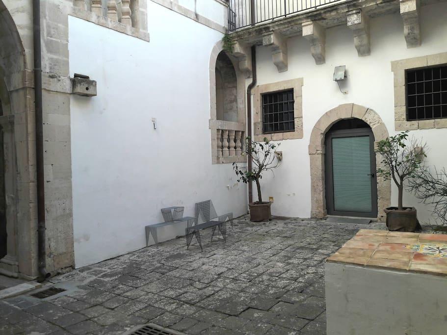 cortile del palazzo