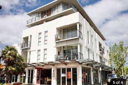 Modern bayside apartment in Elwood - Elwood - Apartament