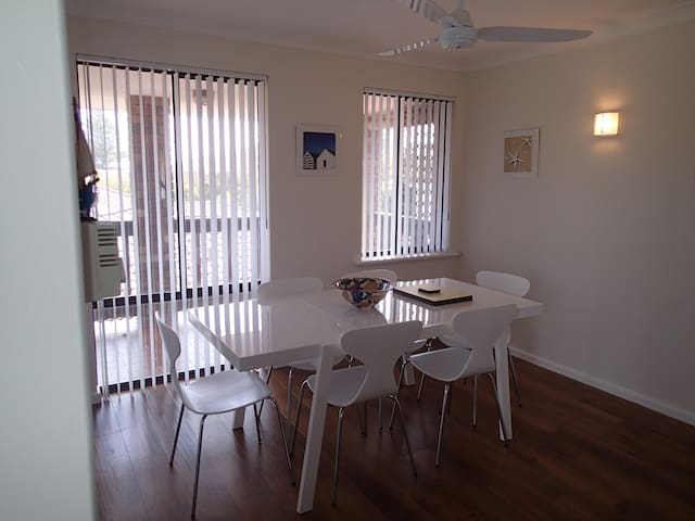 Penguins nest - Shoalwater - Apartment