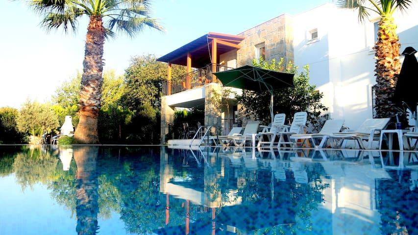 Mandalina Gardens Holiday Apartment-01