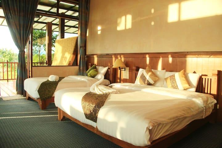 Ratchaphruek Suite villa