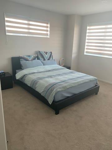 Private room in flatbush