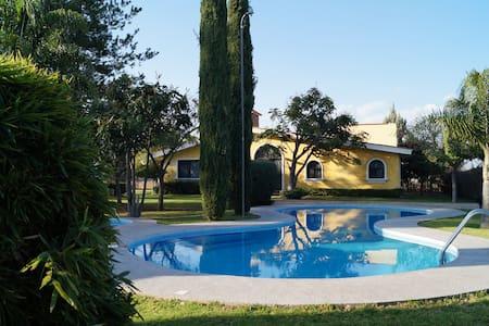 Hermosa Casa Campo Alberca 6px M2 - Silao