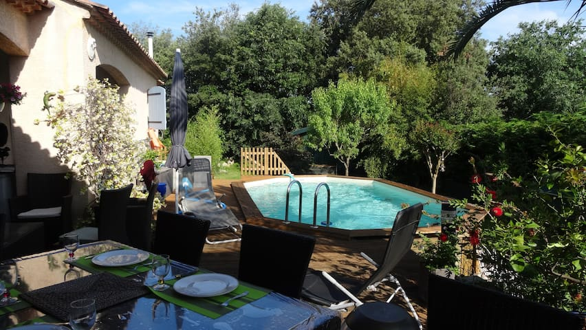 House for 6 Person in North East of Montpellier - Sussargues - วิลล่า