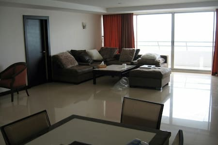 Pranburi/Huahin Beach Front Apartment - Pak Nam Pran - Apartment