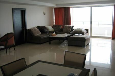 Pranburi/Huahin Beach Front Apartment - Pak Nam Pran - อพาร์ทเมนท์