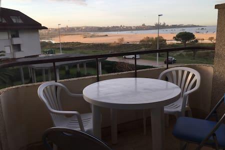 Apartamento en Noja, Primera linea de playa - Noja - Apartament