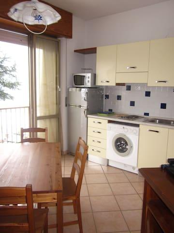 Bilocale a 3 km dal centro di Alba - Castelrotto - Apartment