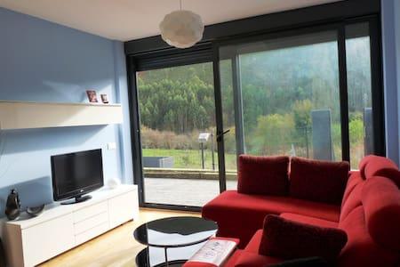 Apartamento de tres habitaciones en Caravia Alta - Caravia