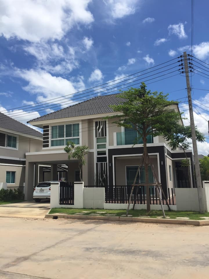 [Studio room2] Two-storey house near famous plaza