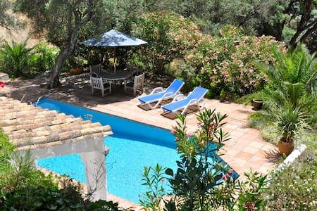 Country Villa nr Casares, Andalucia - カサレス