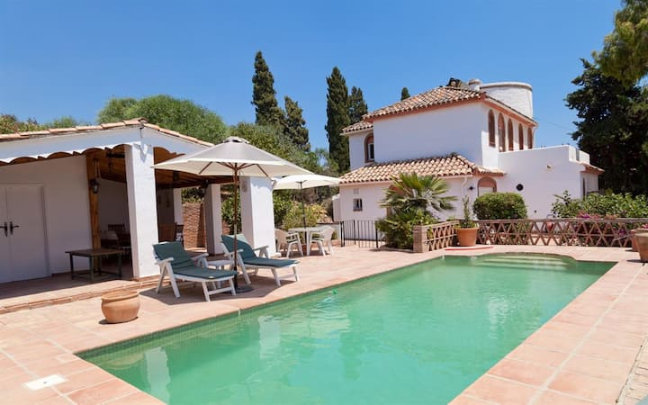Estepona Villa with Pool COLINA