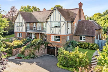 Luxury accommodation in a beautiful home - Guildford