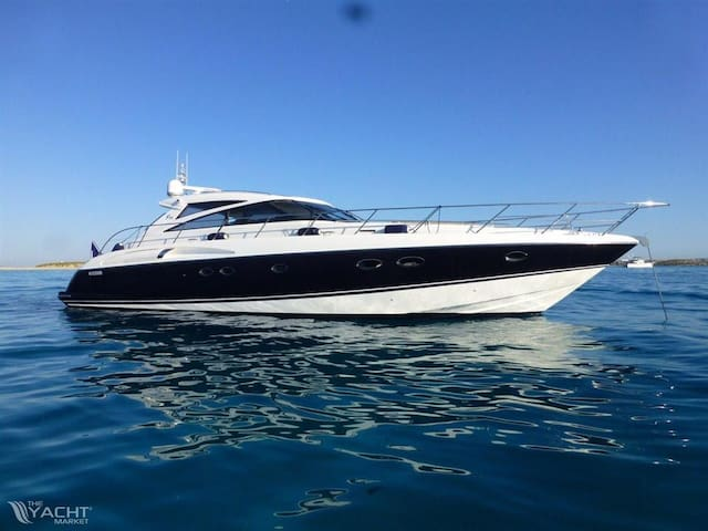 Luxury Yacht in Best Location of Marbella Marina! - Marbella - Barco