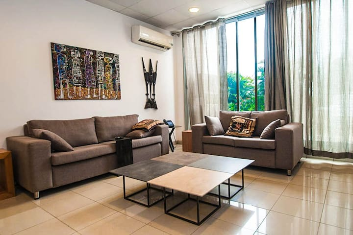 Abuja's Family Suite - Deluxe - Abuja - Apartment