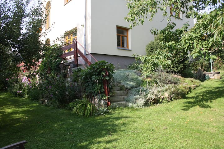 Apartment & pottery in nature near Prague
