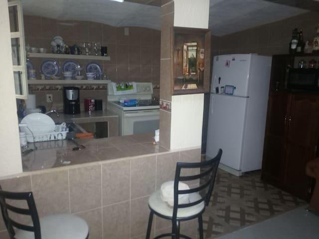 Casa pequeña  acogedora para tres personas