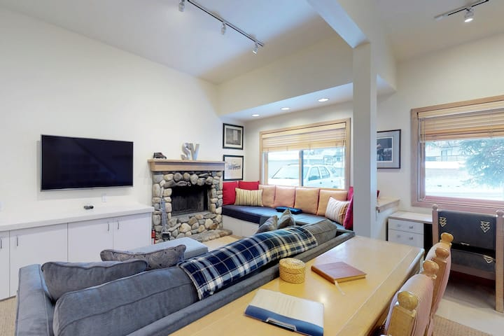 Ski-in/ski-out at this charming condo w/ shared, heated pool access!