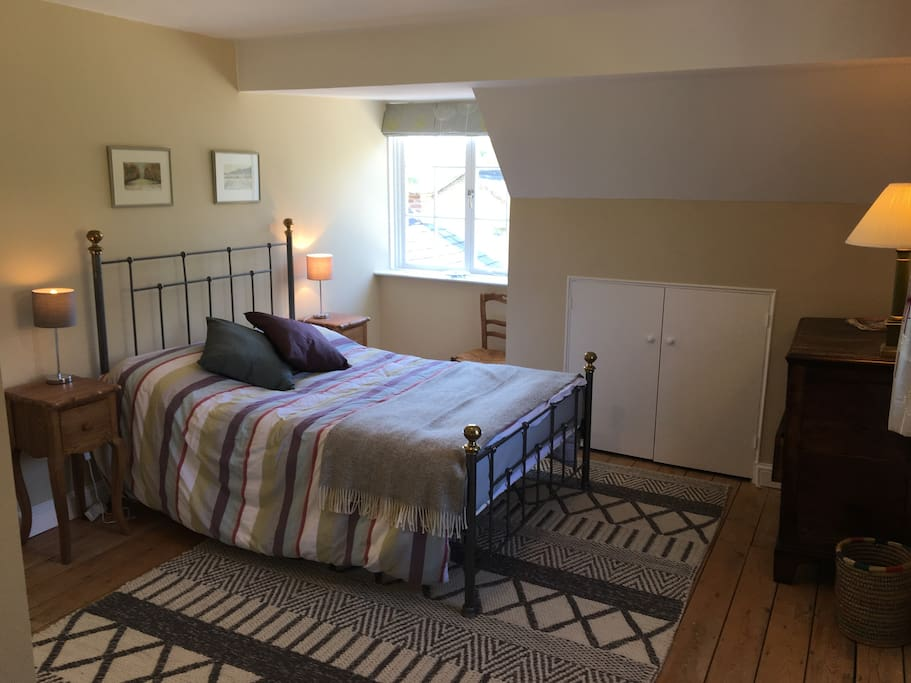 Bedroom 1: Double (travel cot available)