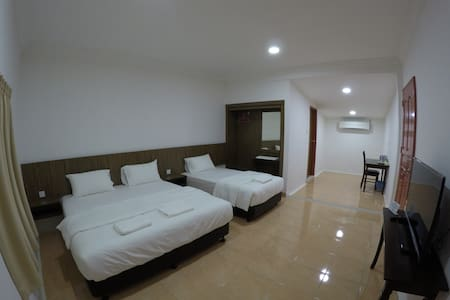 Summer Beach Lodge-Family Room - Labuan - Huoneisto