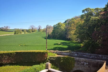 Large private 2 bedroom  apartment Hadrian's Wall