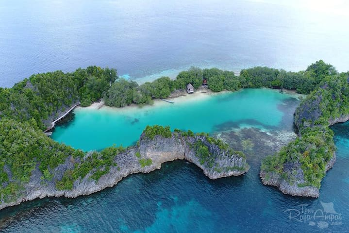 REMOTE PRIVATE ISLAND WITH LAGOON (meals included)