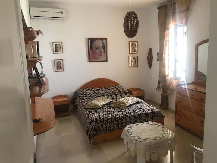 Private Room in a Cozy house in la Marsa