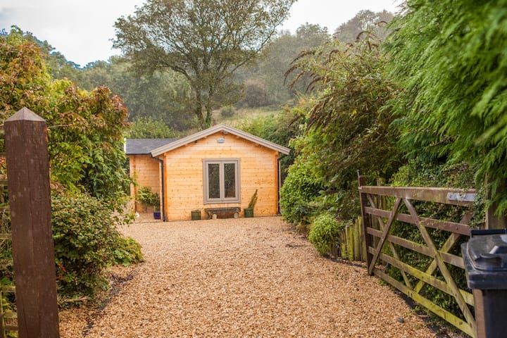 Newly built Lodge in Radnorshire hills sleeps 2