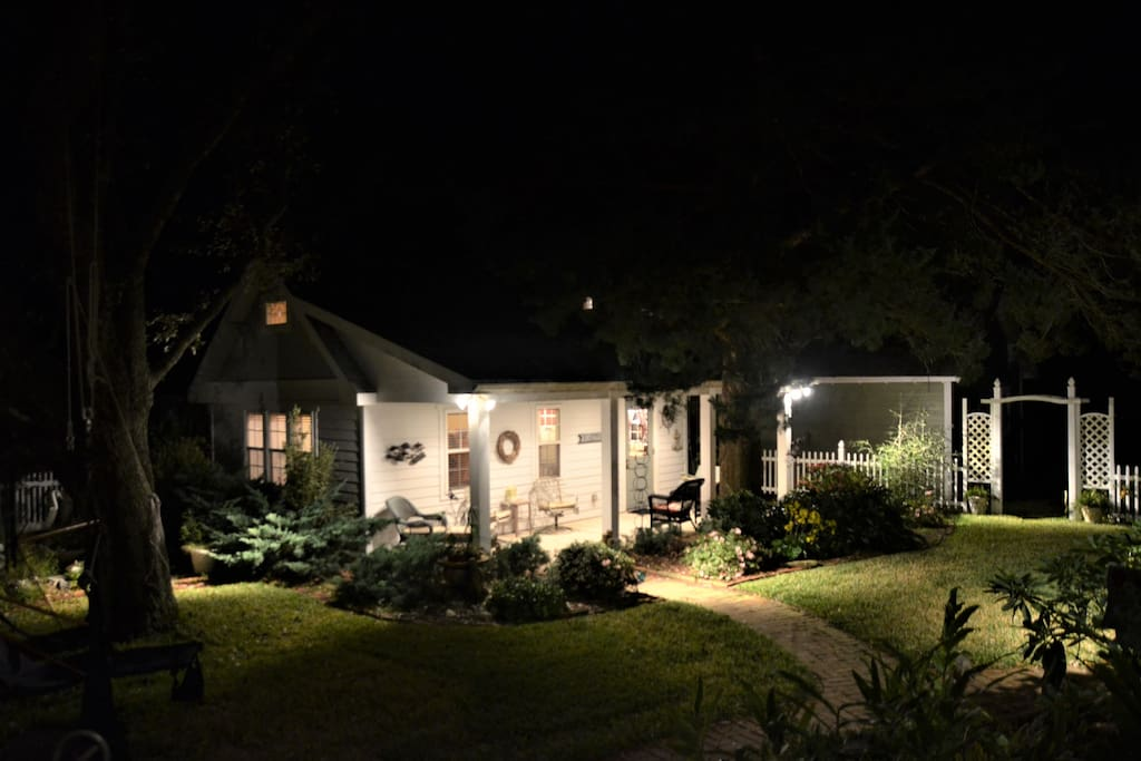Beaufort Bungalow at Night