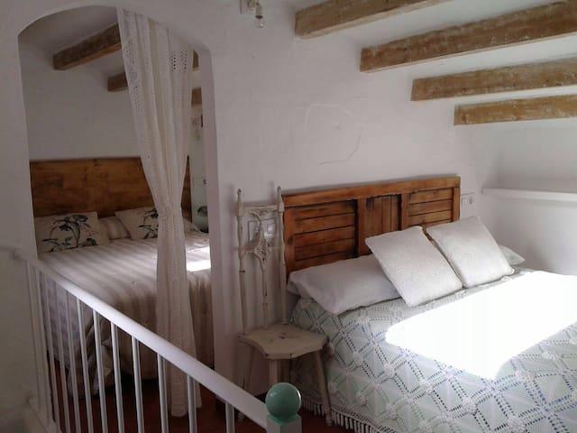 Vista cama 1 y 2 buhardilla