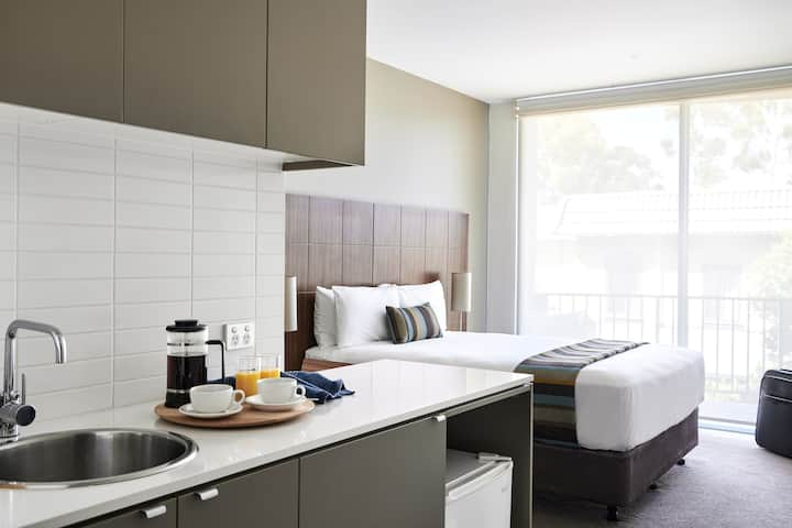 Wantirna Studio Apartment