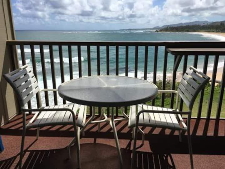 Wailua Bay View #213- 1BR Oceanfront Condo!