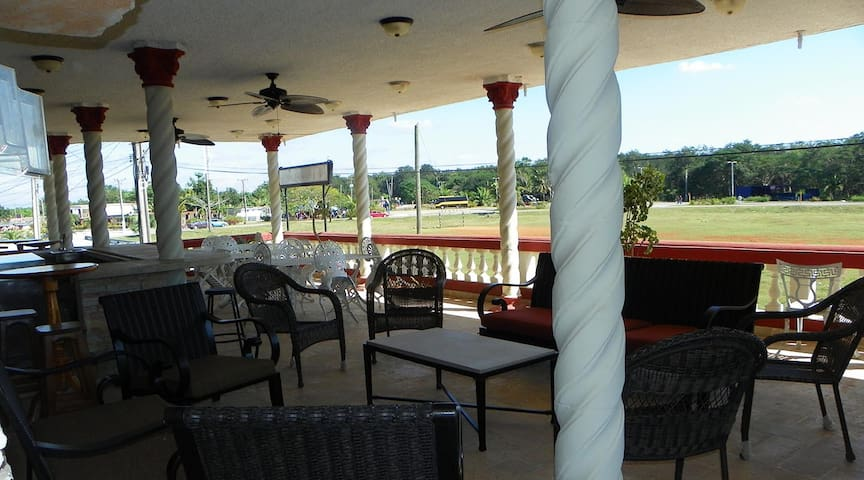 Villa Plata Tropical 4 habitaciones y 16 personas