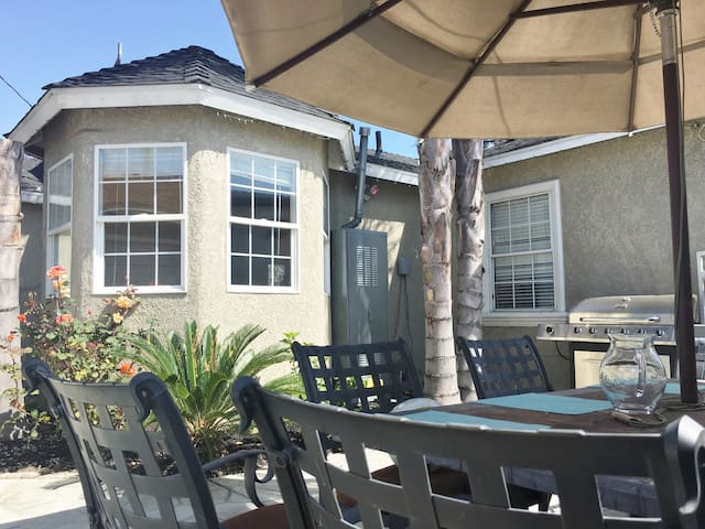 Oasis house, Jacuzzi, Palm trees, privacy - Long Beach - Haus