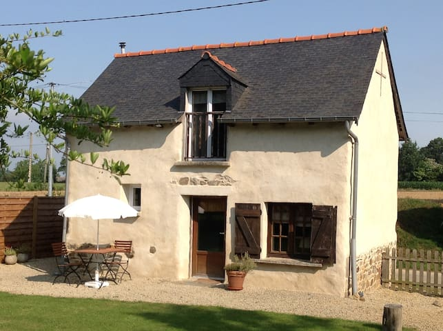 Beautiful Romantic Cottage - Caulnes - Dom