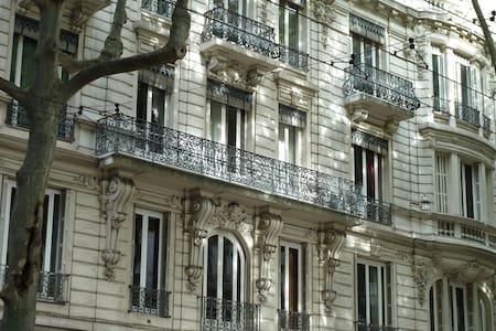 Haussmanien, 105 M2 Arts Nouveaux-La Belle Epoque - Wohnung