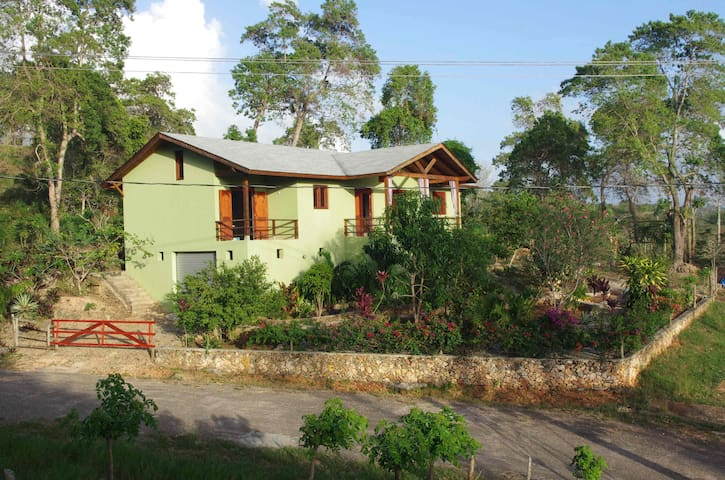 2 bedroom home with garden and view - Río San Juan - Rumah
