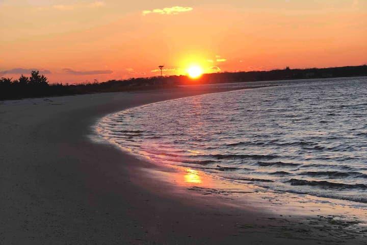 Quiet Retreat steps to Tiana Bay