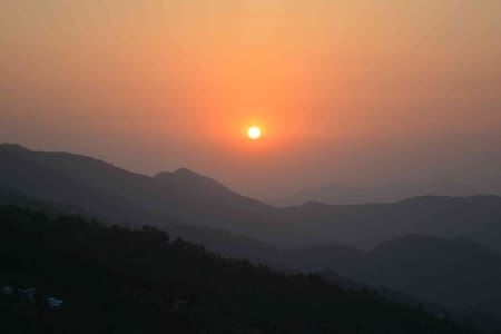 Family Suite @ The Mountain Orchard - Nathuakhan - Szoba reggelivel