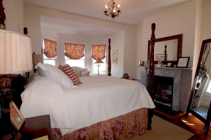 Sir York Suite - Norfolk - ที่พักพร้อมอาหารเช้า