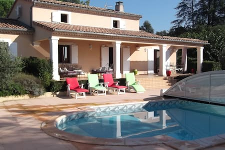 villa piscine en provence - Hus