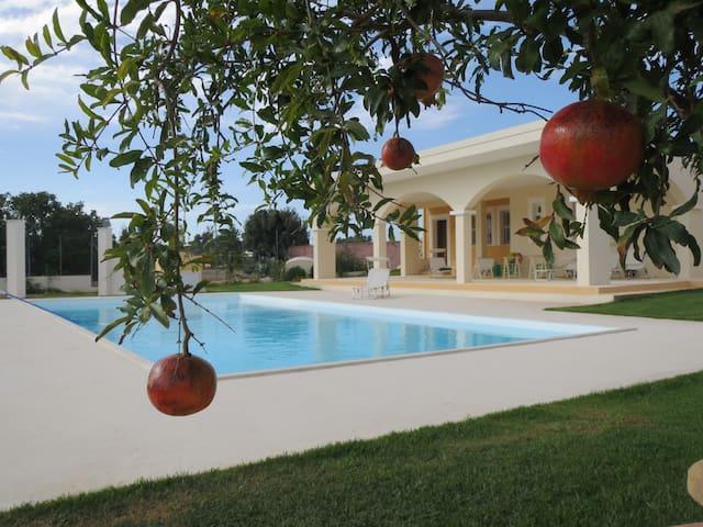 Villino con piscina - Quartucciu - Villa