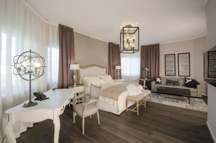 Elegante suite in villa
